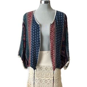 Gorgeous Boho Fringed Sleeve Top w/Pockets. XL
